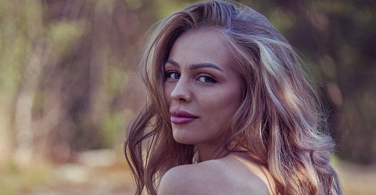 Playboy-missi Erika Helinin nettiahdistelijoiden ja huorittelijoiden nimet paljastuivat!...