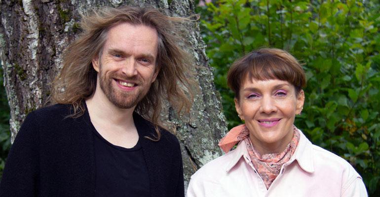 Yökylässä Maria Veitola: Laulaja Anssi Kela näki nuoruudessaan pirun merkkejä...