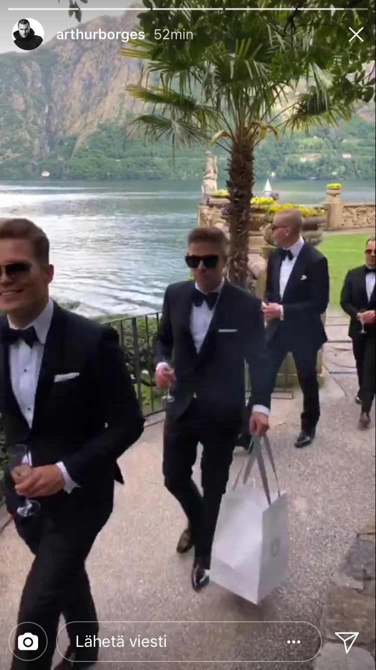 Arthur videoi Instagramiinsa tunnelmia villan pihalta. Kuvakaappauksessa etualalla Cheek, taustalla puolestaan Elastinen ja Uniikki.