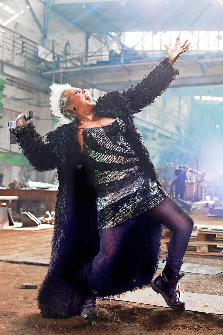Wilman räväkkä tyyli on kypsynyt vuosien saatossa yhdistelmäksi glamouria ja punkkia.