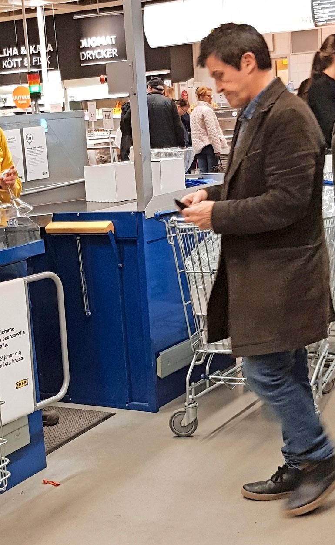 Sedu Koskinen Raision Ikeassa.