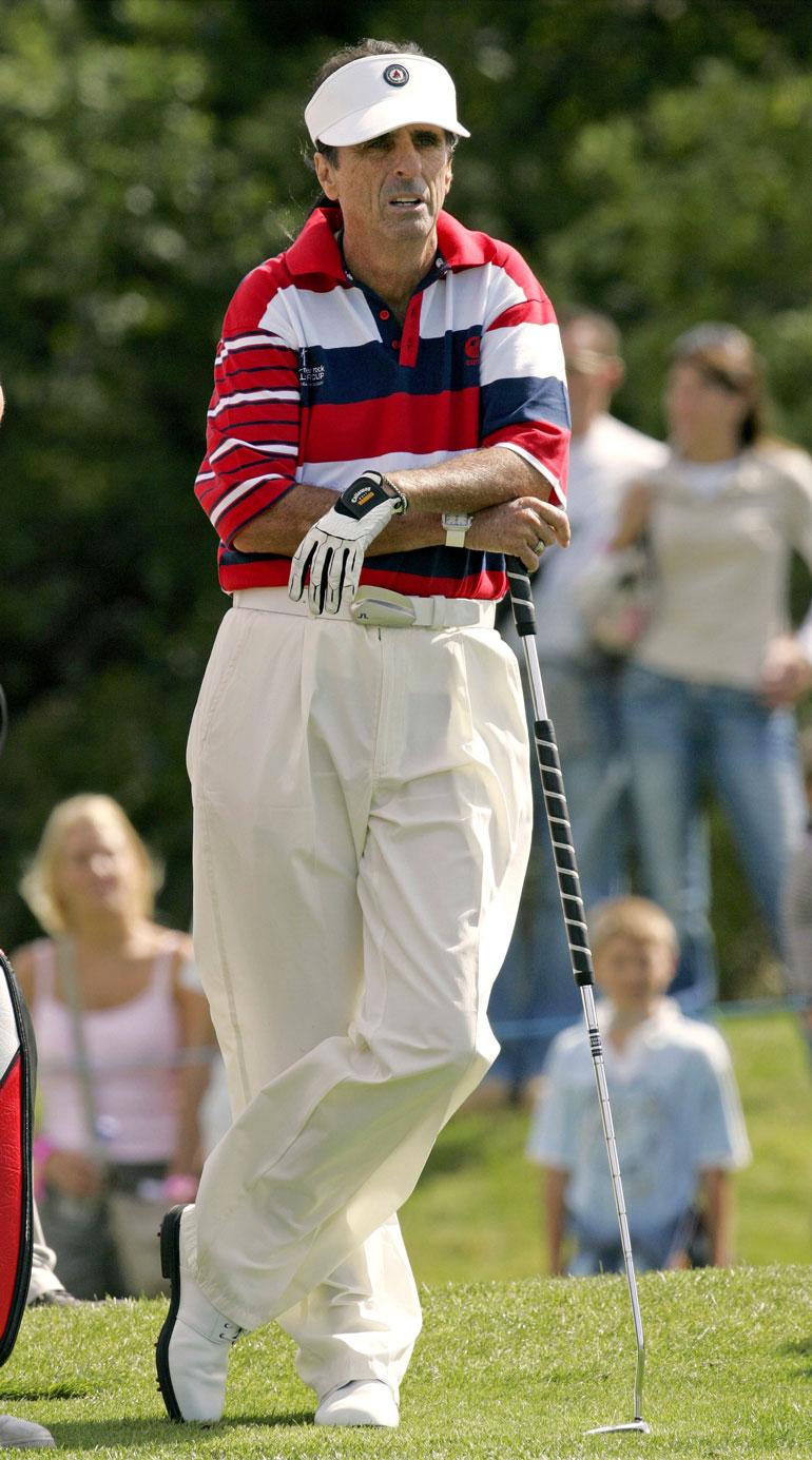 Vapaa-aikana Alice pyörittää vähäosaisille nuorille tarkoitettua hyväntekeväisyysjärjestöä ja pelaa golfia joka päivä.
