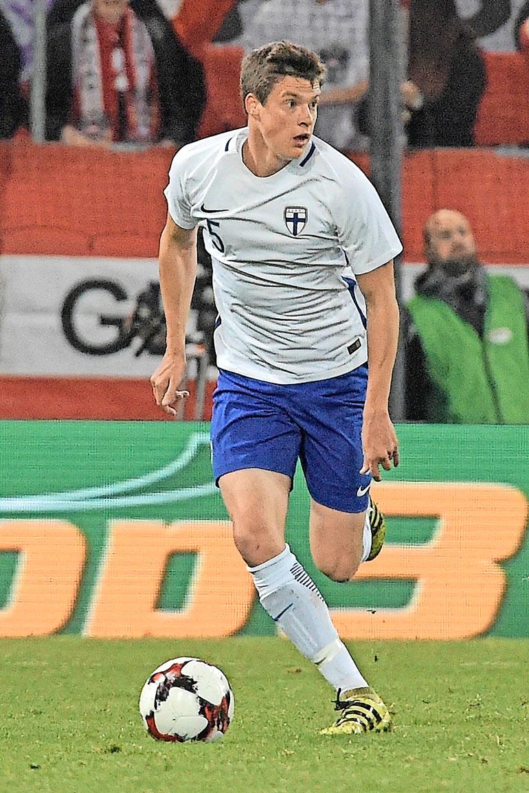 Italian kivenkovassa Seria A:ssa leipänsä tienaava Sauli Väisänen, 23, kuuluu Suomen A-maajoukkueen vakiokalustoon.