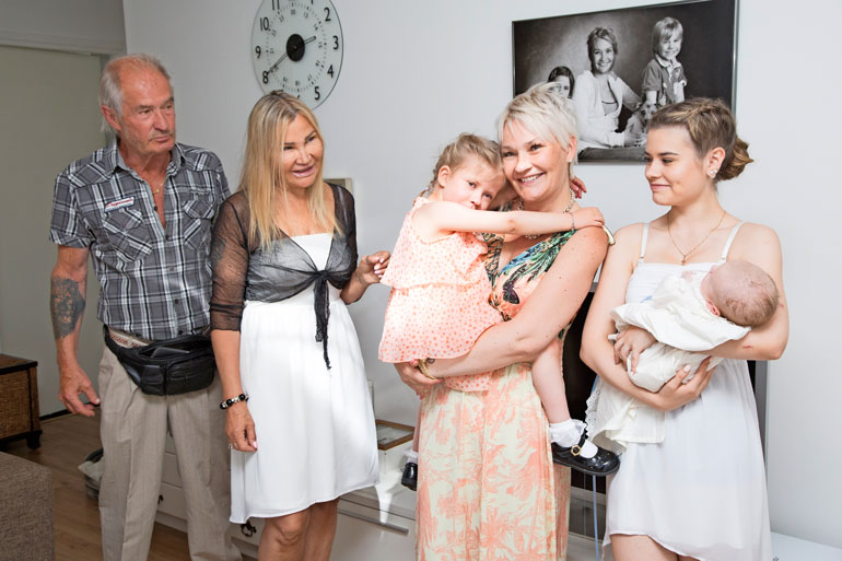 Perheen ilo Dani-vauvasta ulottuu tietysti isovanhempiin asti.