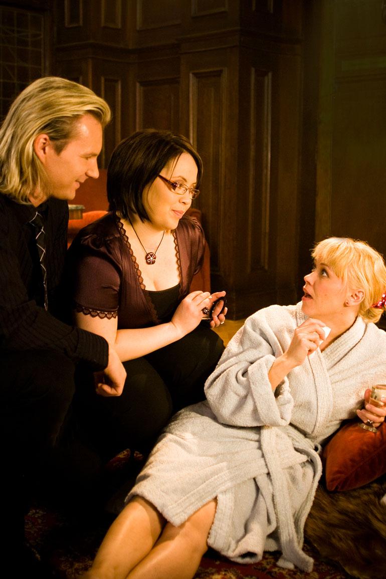 Hanna Kinnunen näytteli Salatuissa elämissä Salla Laitelaa vuosina 2006–2010. – Hulluimpia hetkiä olivat tilaneet, kun ihmiset eivät uskoneet, etten ole sama ihminen kuin Salla.