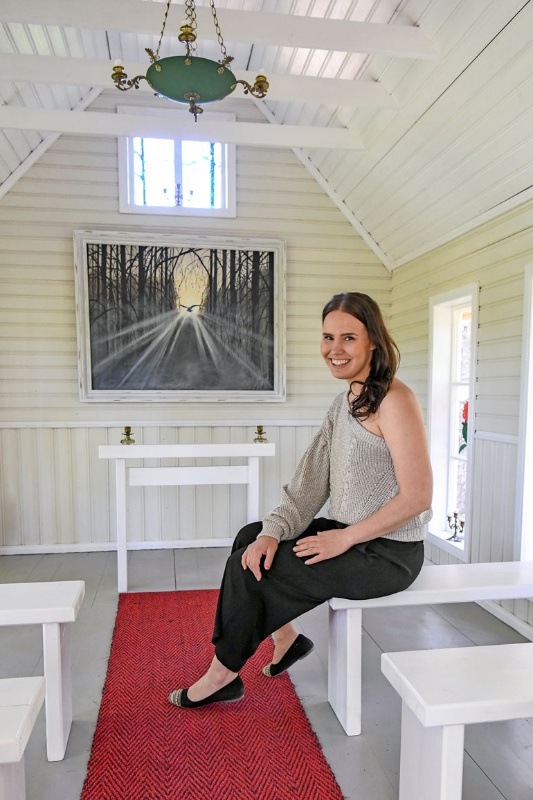 Taidepolun varrella sijaitseva kappeli on Annen mukaan enemmän hiljentymispaikka kuin uskonnollinen rakennus.