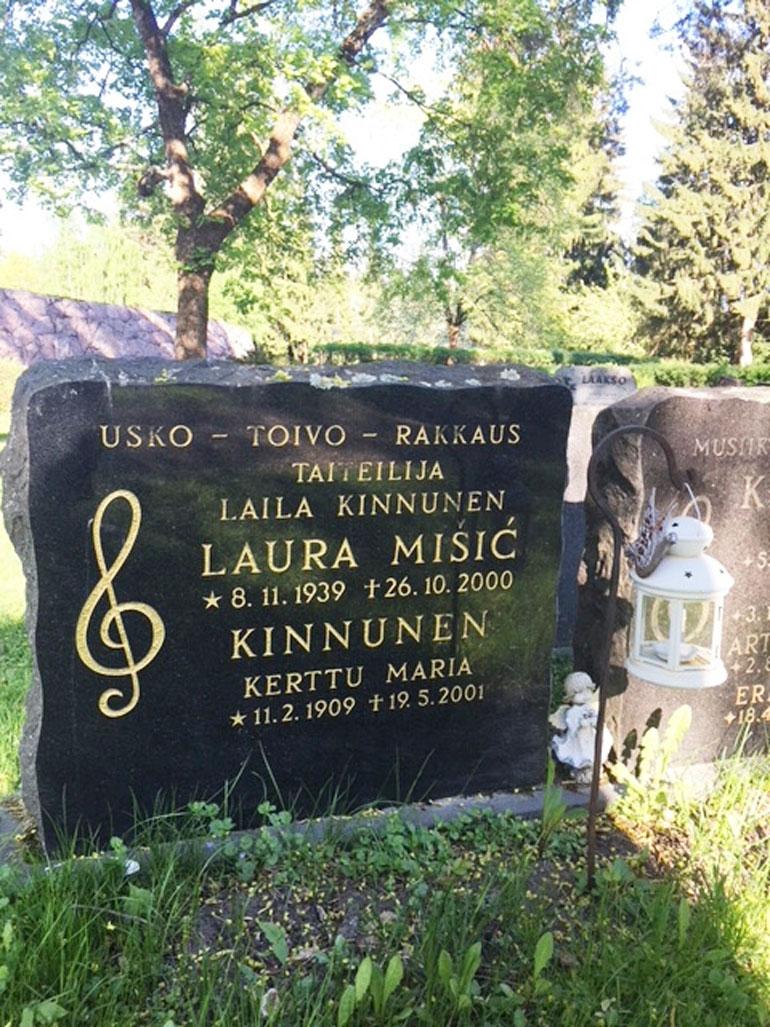 Laila Kinnusen hauta.