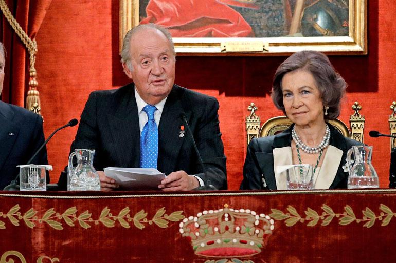 Ex-kuninkaan puoliso Sofia on seisonut miehensä rinnalla kohuista huolimatta. Pari avioitui vuonna 1962.