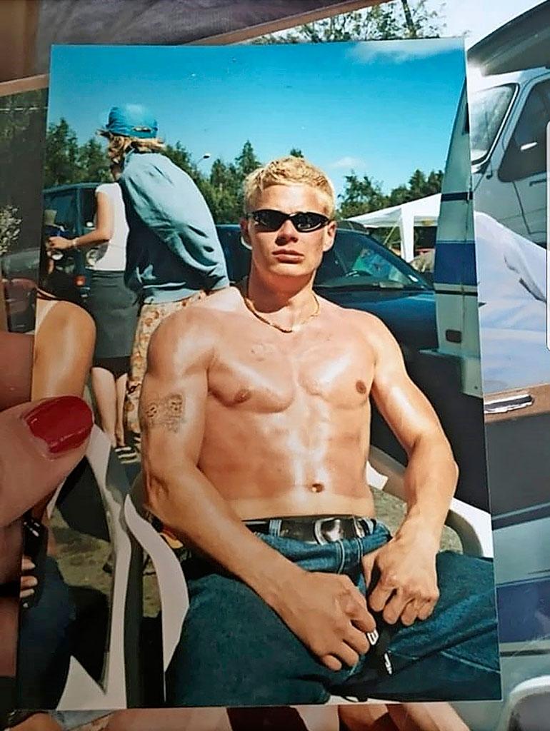 – Tuollainen kusenpolttama pulkannaru olin pahimmillani. Olen kuitenkin aina pitänyt kunnostani huolta, huumeista huolimatta, Sami sanoo. Kuva on vuodelta 2003.