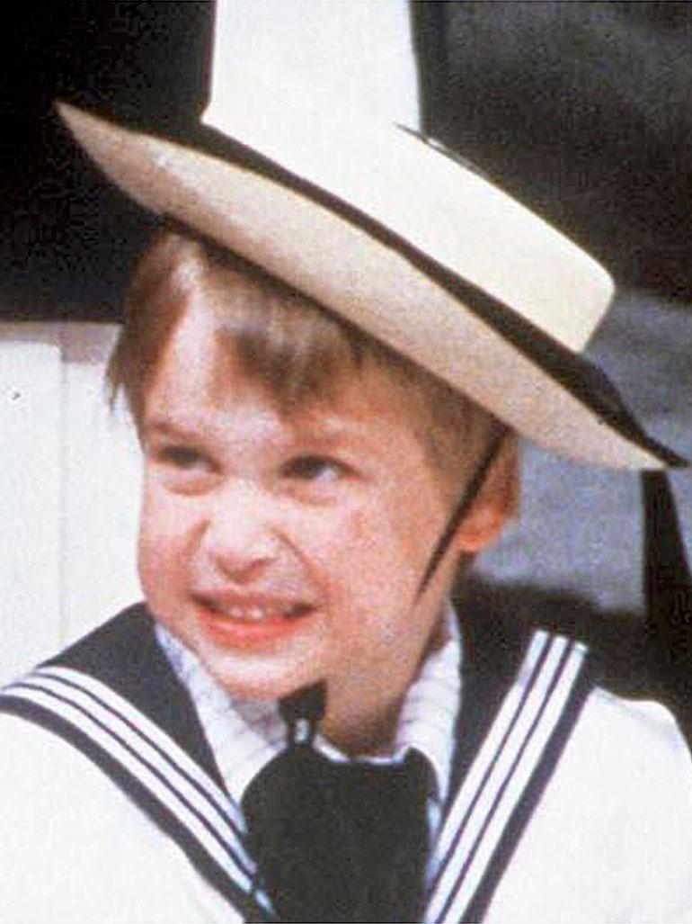 Prinssi William lapsena.