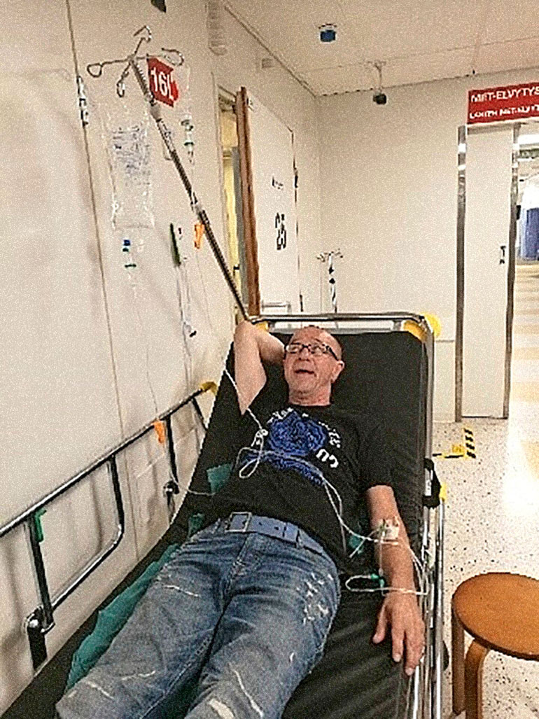 Enzo kirjattiin sairaalaan kiireellisesti vakavien kipujen vuoksi.
