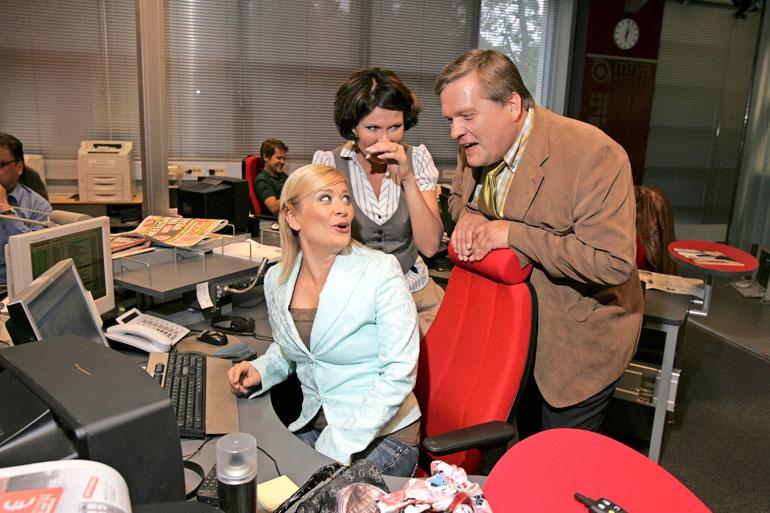 Lauri herätteli Suomen kansaa vuosina 1989–2013 Huomenta Suomi -ohjelmassa. Kuvassa myös kollegat Kirsi Alm-Siira ja Sanna Kiiski.
