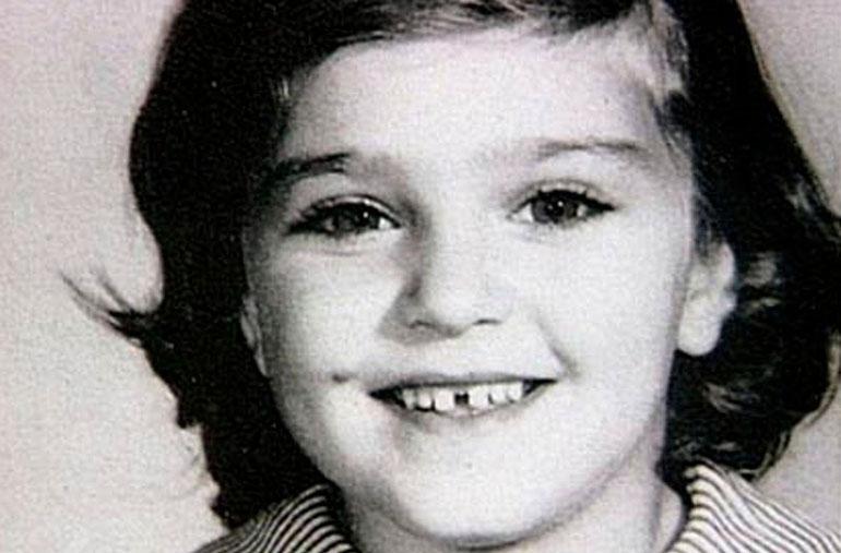 Madonna Louise Veronica Ciccone syntyi Bay Cityn kaupungissa, Michiganissa vuonna 1958. Tässä Madonna hymyilee viisivuotiaana.