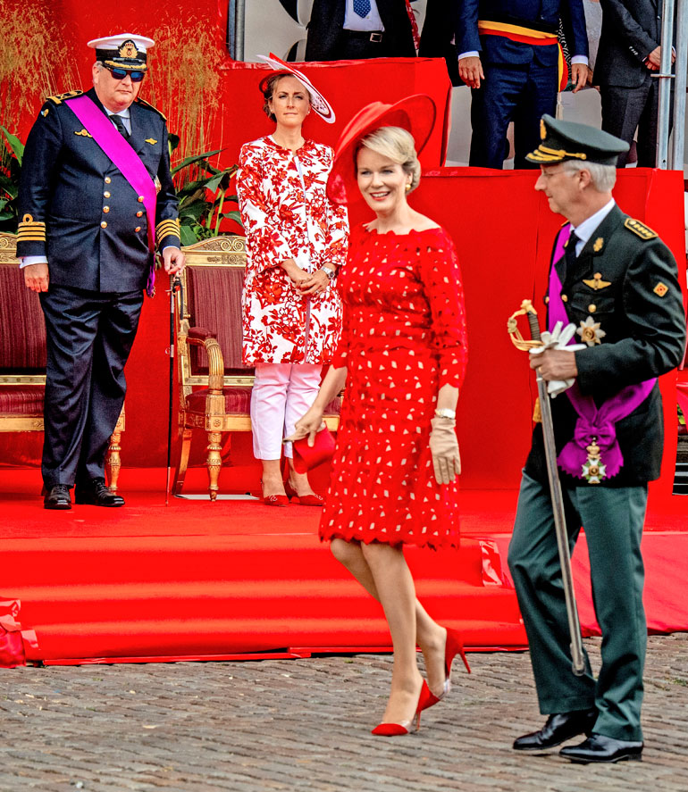 Kuningas Philippe, kuningatar Mathilde, prinssi Laurent, prinsessa Claire
