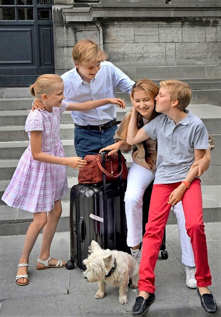 Belgian kruununprinsessa Elisabeth, prinssit Gabriel ja Emmanuel sekä prinsessa Eleonore