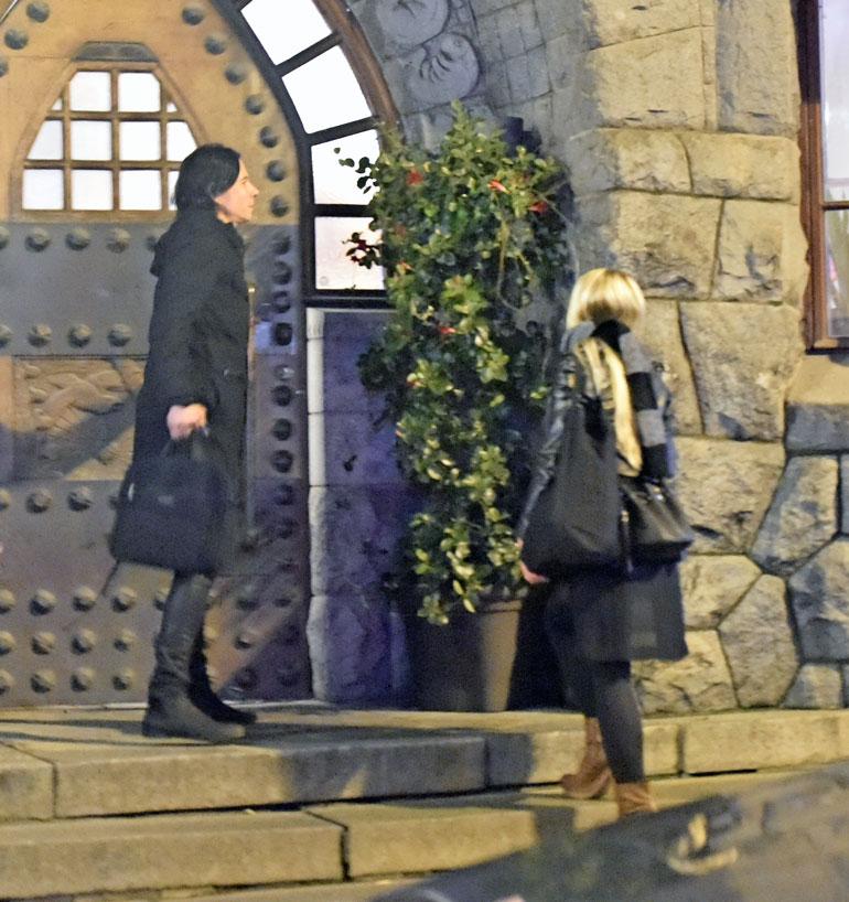 Tarkkasilmäinen Seiskan lukija näki parin menevän yöllä yhdessä hotelliin.