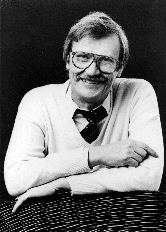 """Juha """"Junnu"""" Vainio teki elämänsä aikana yli 2 400 sävellystä tai sanoitusta sekä 245 laulua."""