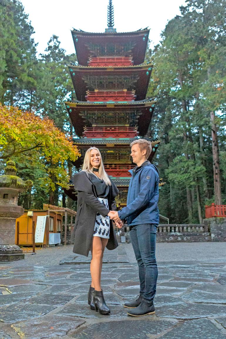 Nyt rakastavaiset tapasivat Japanissa, mutta viime vuonna he asuivat puoli vuotta Kiinassa. – Pitkikillä pelikiertueilla pelkäsin Alinan kyllästyvän yksin, Joonas kertoo.