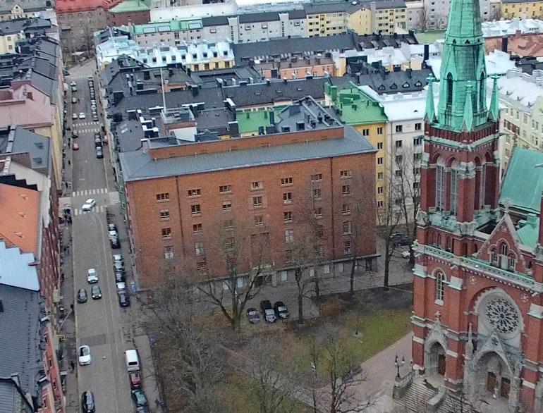 Laajasalon koti sijaitsee Helsingin kalleimmilla seuduilla Ullanlinnan kaupunginosassa.