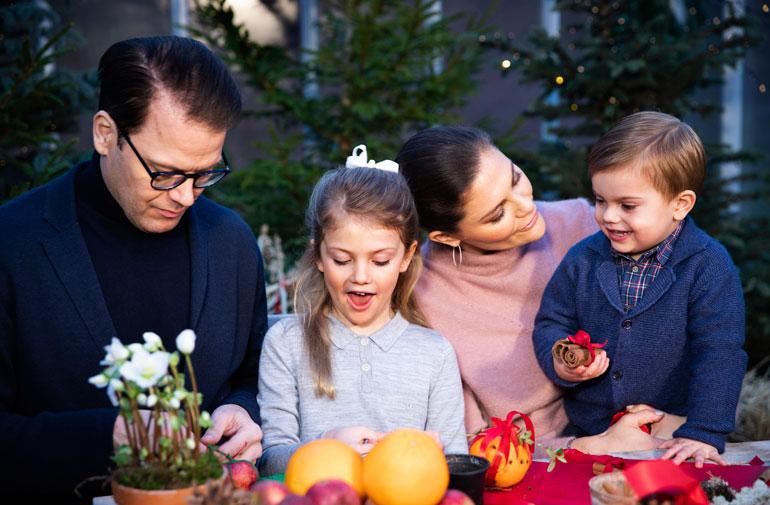 Ruotsin kruununprinsessapari Victoria ja Daniel, prinsessa Estelle ja prinssi Oscar
