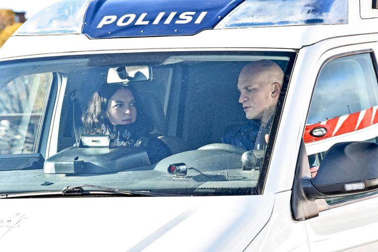 Mimosa ja Riku Nieminen ovat sarjassa työpari. Riku on ollut mukana Robassa alusta saakka.