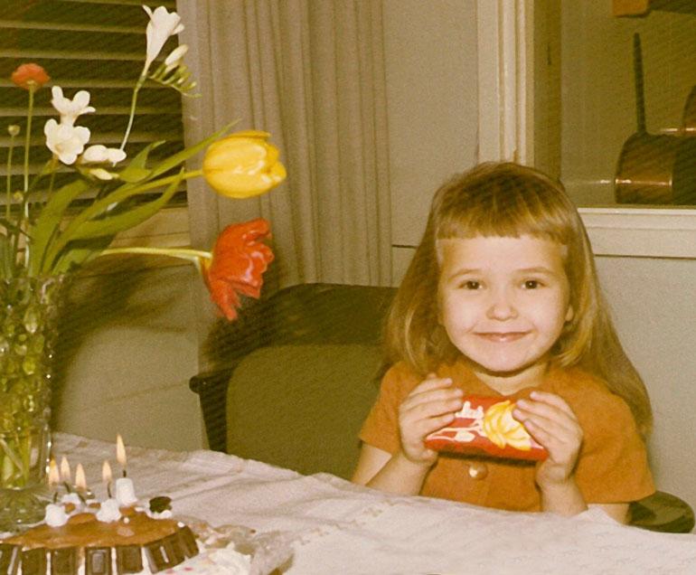 Meiju 5-vuotiaana.