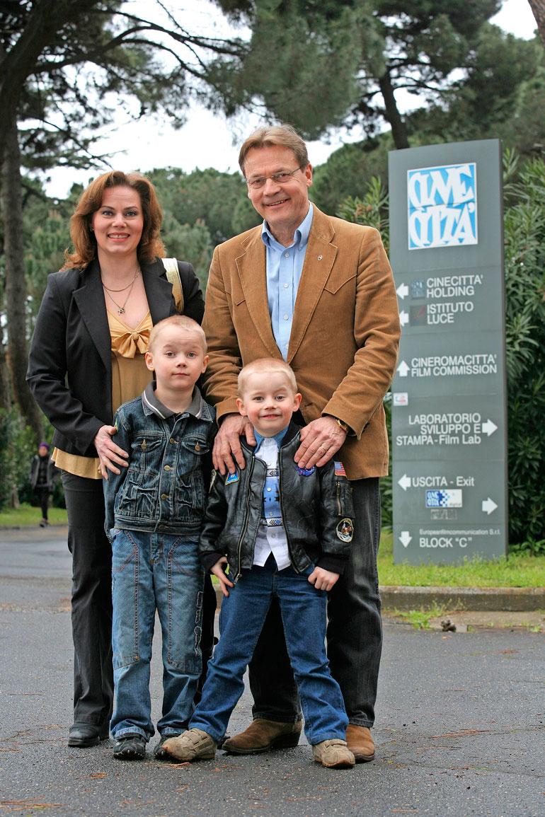 Nina Mikkosen mies Timo T.A. Mikkonen menehtyi tammikuussa 2017. Kuva vuodelta 2008.