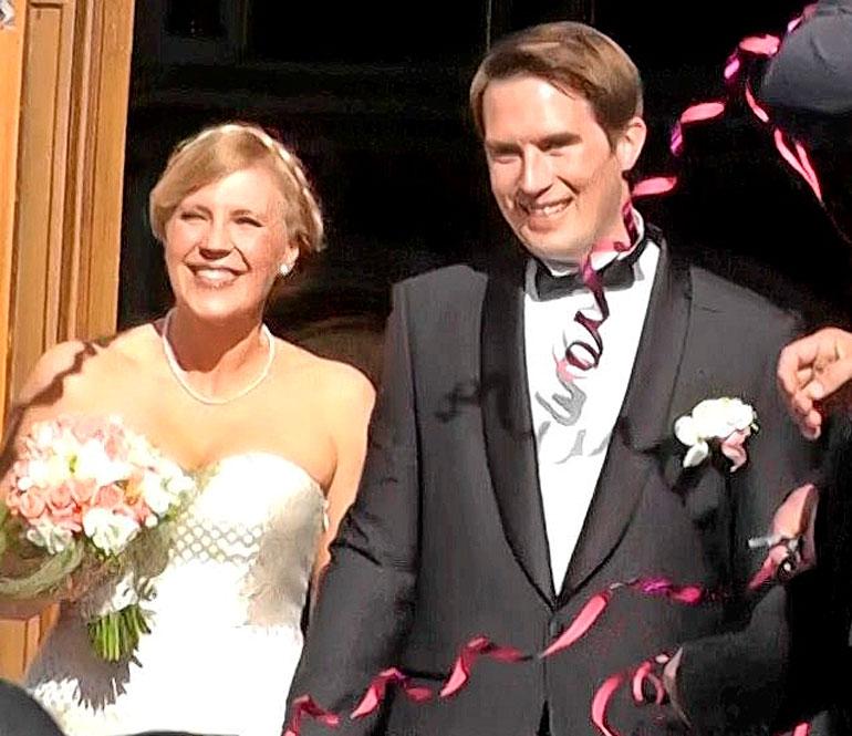 Vappu ja Teemu menivät naimisiin vuonna 2013 Helsingin Uspenskin katedraalissa.