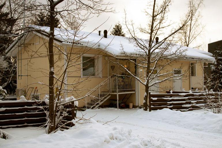 Laura osti uuden asuntonsa yksin. 86-neliöisessä asunnossa on kuitenkin tarpeen vaatiessa tilaa myös kumppanille.