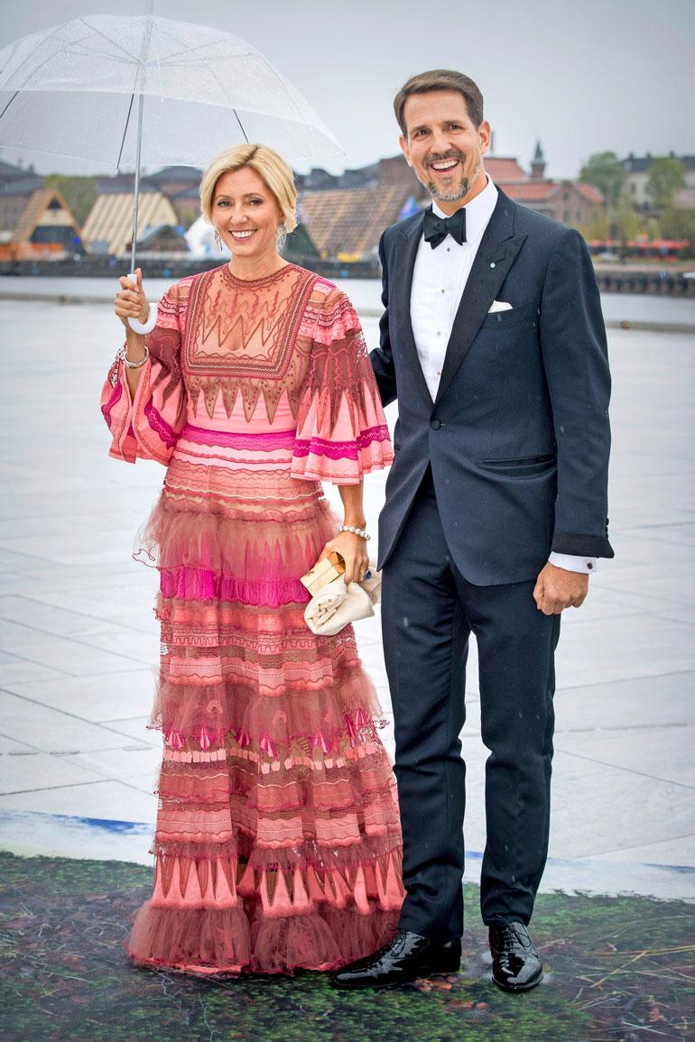 Maria-Olympia on Kreikan kruununprinssi Pavloksen ja kruununprinsessa Marie-Chantalin esikoinen. Heillä on lisäksi viisi poikaa.