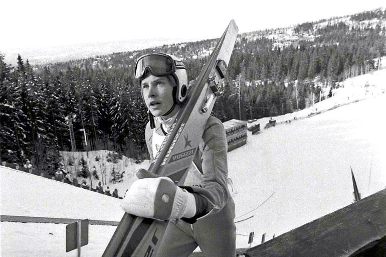 Aikansa ylivoimaisin hyppääjä Matti Nykänen juhli neljästi maailmancupin kokonaiskilpailuvoittoa (1983, 1985, 1986 ja 1988). Keski-Euroopan Mäkiviikon valtiaaksi hänen kruunattiin kahdesti (1982–1983 ja 1987–1988).