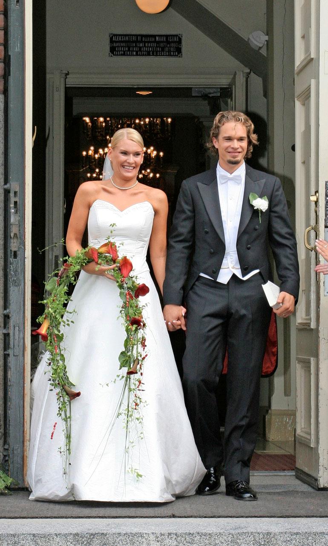 Heidi ja Niklas menivät naimisiin Jyväskylässä vuonna 2005. He erosivat viime vuonna. Ex-parilla 10- ja 12-vuotiaat tytöt.