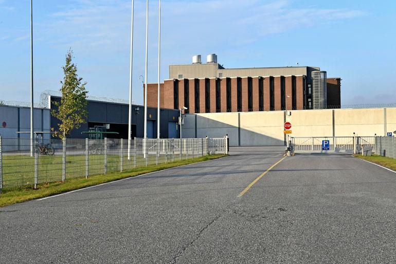 Rikosseuraamuslaitos vastusti usean tänä vuonna vapautuvan vangin vapauttamista, mutta ainoastaan Heikkilästä valitettiin korkeimpaan oikeuteen. Heikkilä istuu tuomiotaan Saramäen vankilassa.