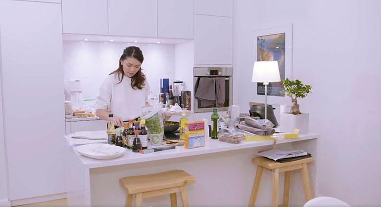 Shirlyn ja rakkaan lemmenpesä näkyi Neljän tähden illallinen -ohjelmassa.
