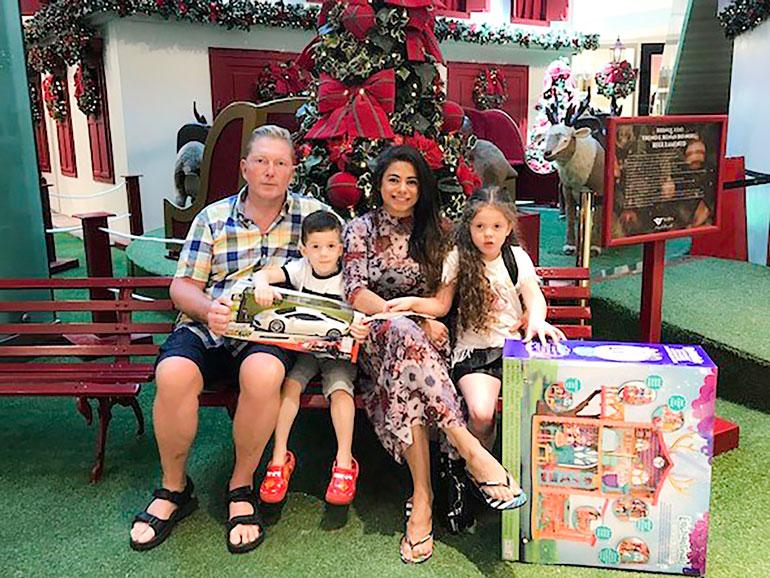 Vesa ja Jane viettivät joulun Toivo-pojan ja Maria-tyttären kanssa Brasiliassa.