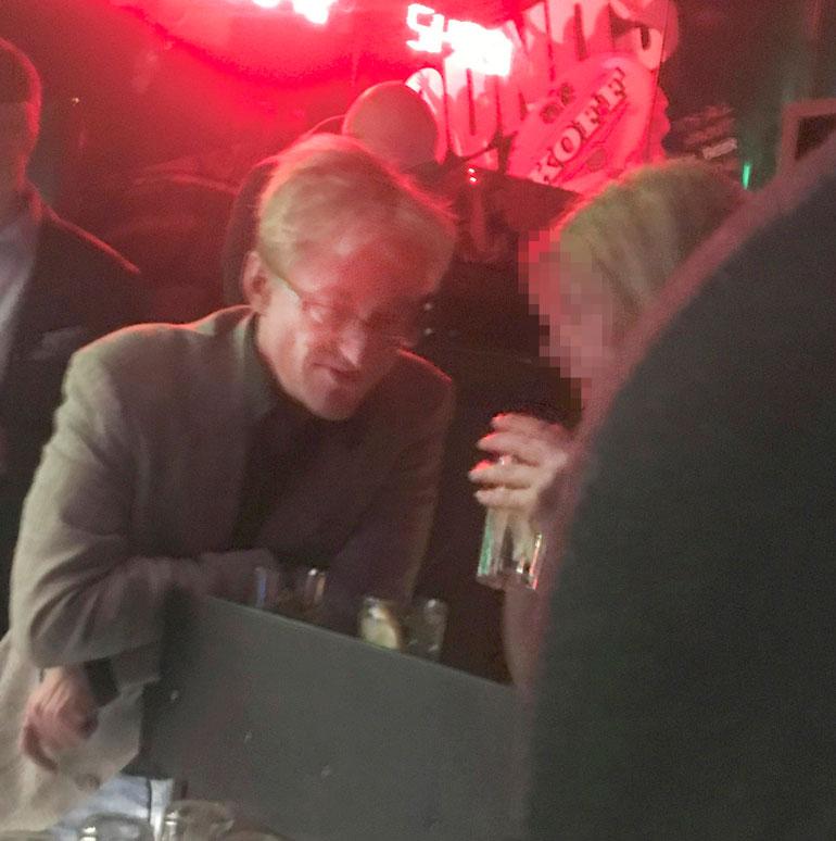 Mikael Jungner yökerhossa.