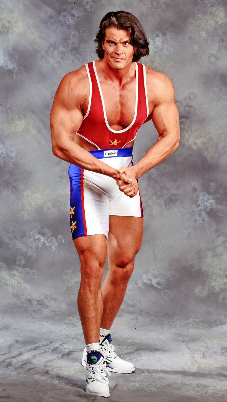 Mika esiintyi 1990-luvulla Gladiaattoreissa kisaajana. Tulevalla kaudella hänet nähdään kommentaattorina.