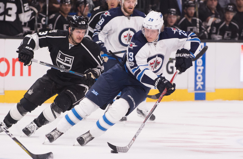 Patrik Laine ilmoitti välittömästi NHL-kautensa päätyttyä, ettei hän ole käytettävissä MM-kisoissa. Winnipeg Jetsin tamperelaistähdellä on edessä historiallisen arvokkaat sopimusneuvottelut.