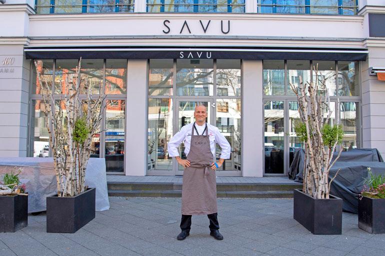 Savu sijaitsee paraatipaikalla eräällä Berliinin kuuluisimmista kaduista. – Kesällä terassille avataan samppanjabaari, Sauli kertoo.