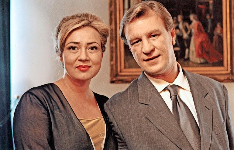 Susanna näytteli vuosina 2001–2004 Salatuissa elämissä Esko Koveron esittämän Ismo Laitelan kanssa seurustellutta Jaana Niemistä.