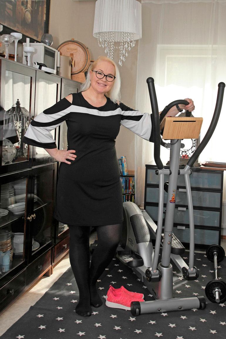 Kati oli vaatekokoa 48 aloittaessaan elokuussa ketokuurin. – Minulla on vielä 15 kilon matka päämäärääni eli 75 kiloon, Kati kertoo.