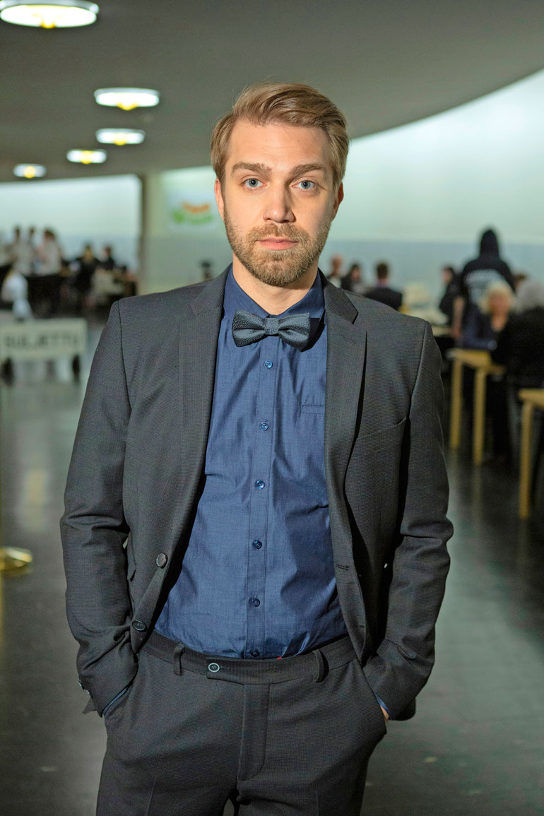 Jarkko Niemi tunnetaan muun muassa Syke-sarjasta.