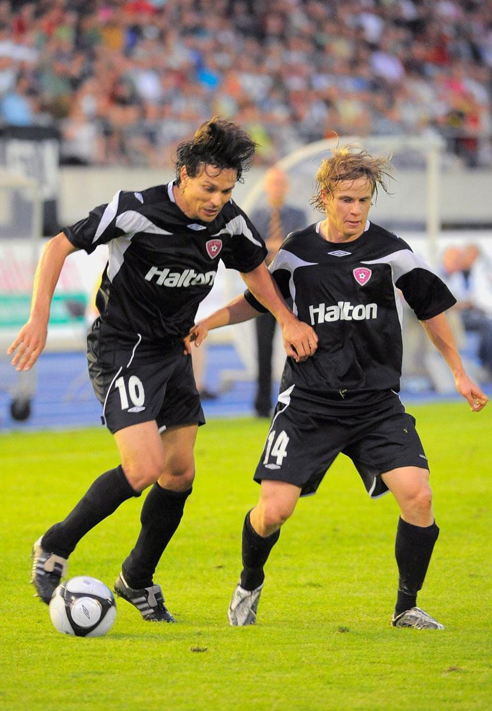 Konsta pelasi valtaosan ammattilaisurastaan FC Lahdessa, jossa ura loppui keväällä 2013. Kaudella 2009 rinnalla viiletti muuan Jari Litmanen.
