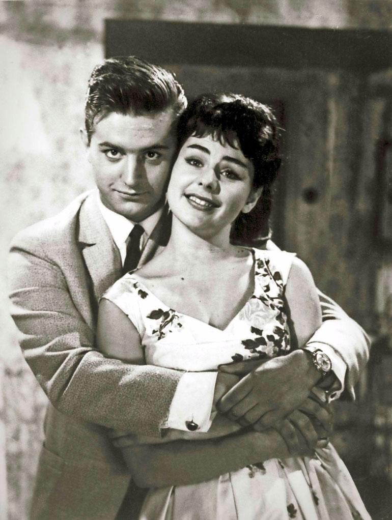 Tyttö ja hattu (1961) on Pirkon lempielokuva. – Siinä oli kiva, liikuttava tarina, hän sanoo. Esko Salminen näytteli taas miespääosan.