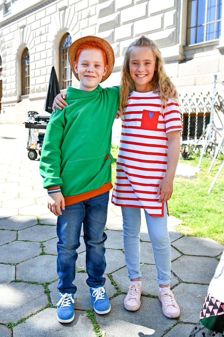 Silmu ja Lumi ovat nuoresta iästään huolimatta kokeneita näyttelijöitä. Kaksikko ei tuntenut toisiaan entuudestaan, mutta ystävyys syntyi leffakuvauksissa.