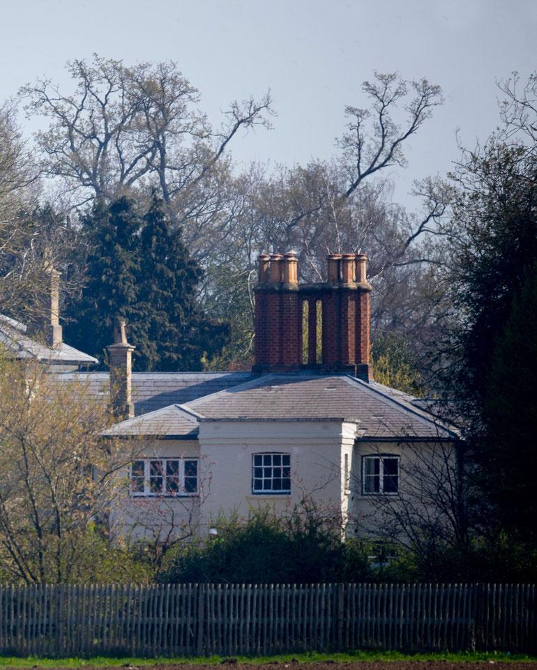 Williamin ja Meghanin 2,7 miljoonan kotiremontti on pientä Buckinghamin palatsiin tehtävän puolen miljardin remontin rinnalla.