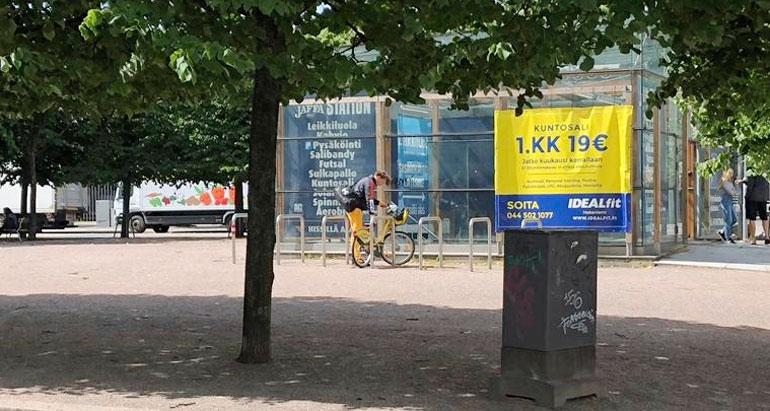 Roope Salminen ja pyörä.