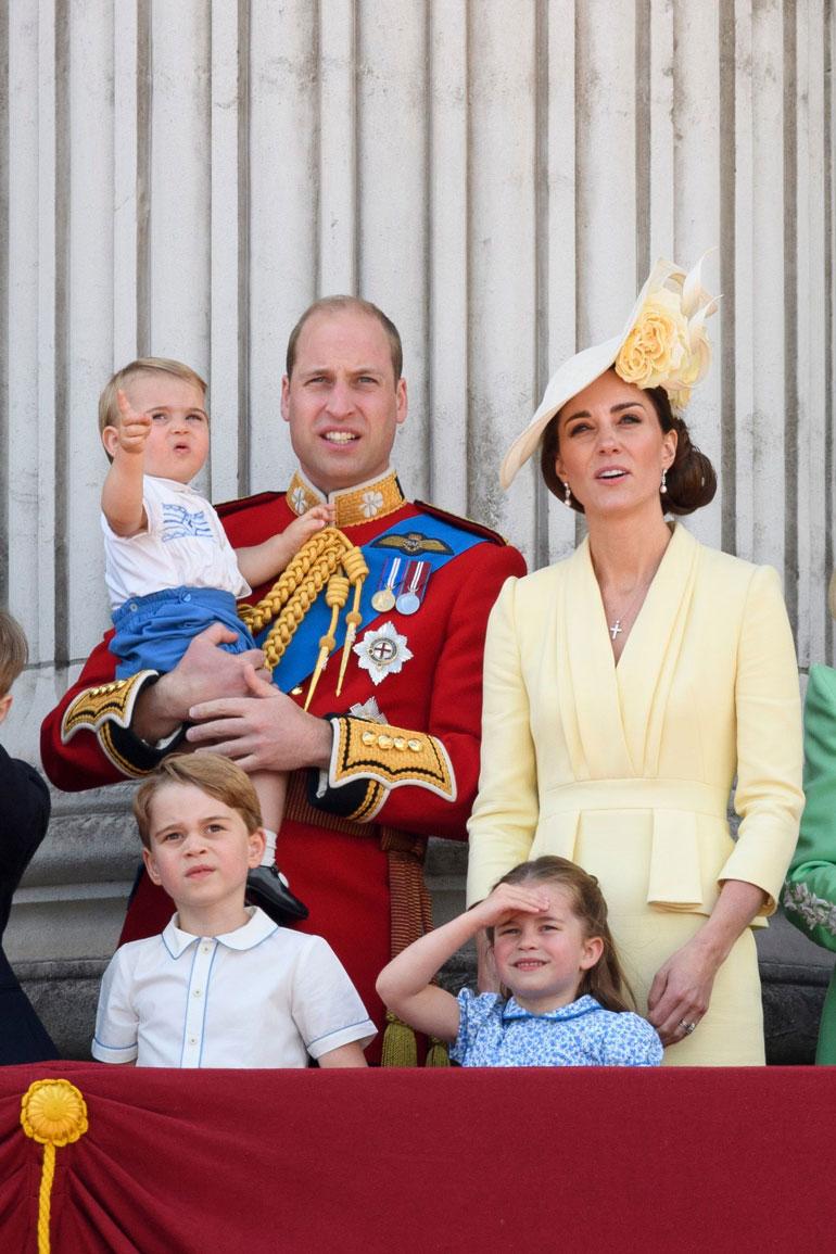 Prinssi Louisilla oli yllään Harry-enonsa vanhat vaatteet.