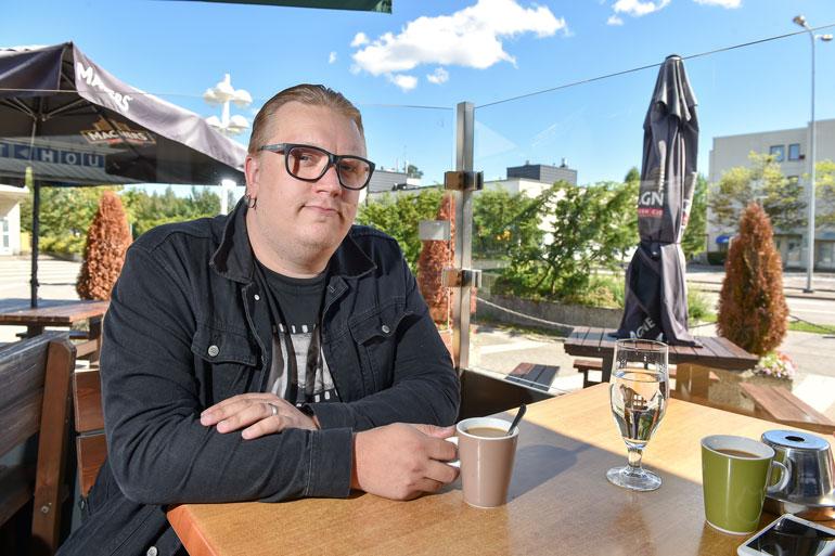 Espoon Soukassa asuvan Artun kotoa ei ole kovinkaan pitkä matka ravintolalle. Liiketilassa on 175 asiakaspaikkaa. – Sitä pystyy tarvittaessa laajentamaankin.
