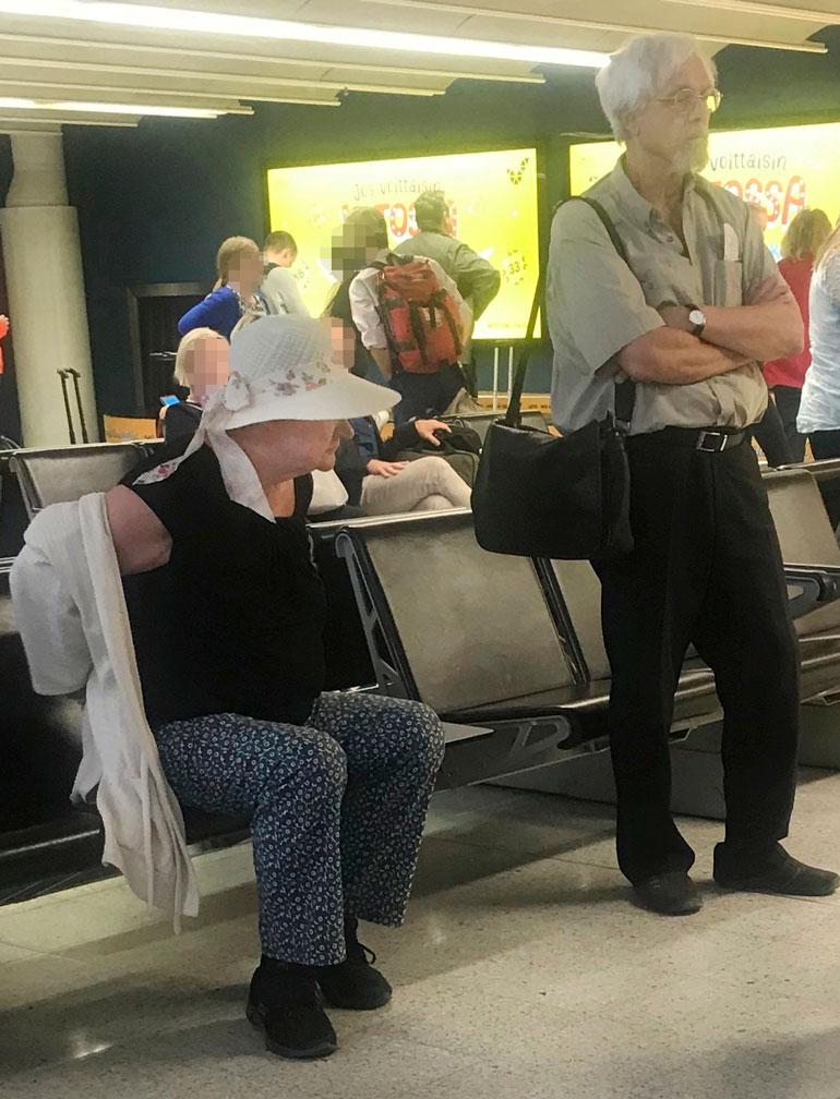 Tarja Halonen lentokentällä.